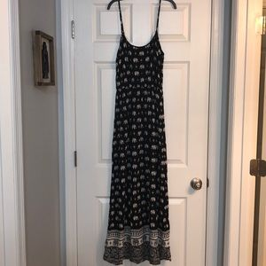 Forever 21 Elephant Maxi Dress Size Small
